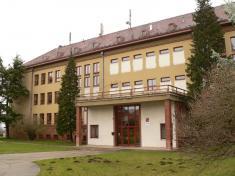 Prohlídka školy ahistorické výstavy